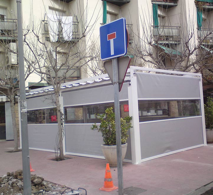 cerramientos con verticales toldos en Barcelona