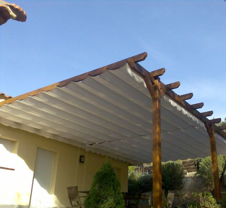 pérgolas de madera instalación en un porche