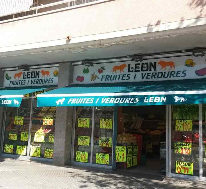 tienda de frutas toldos brazo invisible