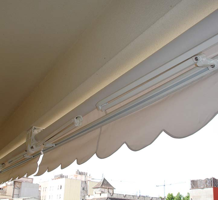 toldo desplegado brazo invisible