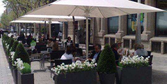 Toldos Barcelona. Toldos de calidad nuestros parasoles