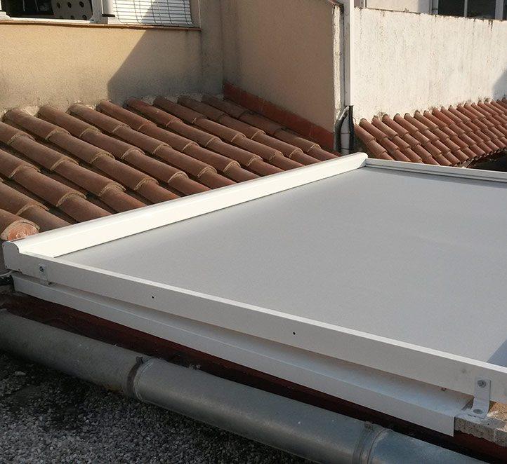 toldos pergolino p3500 en un tejado de Barcelona