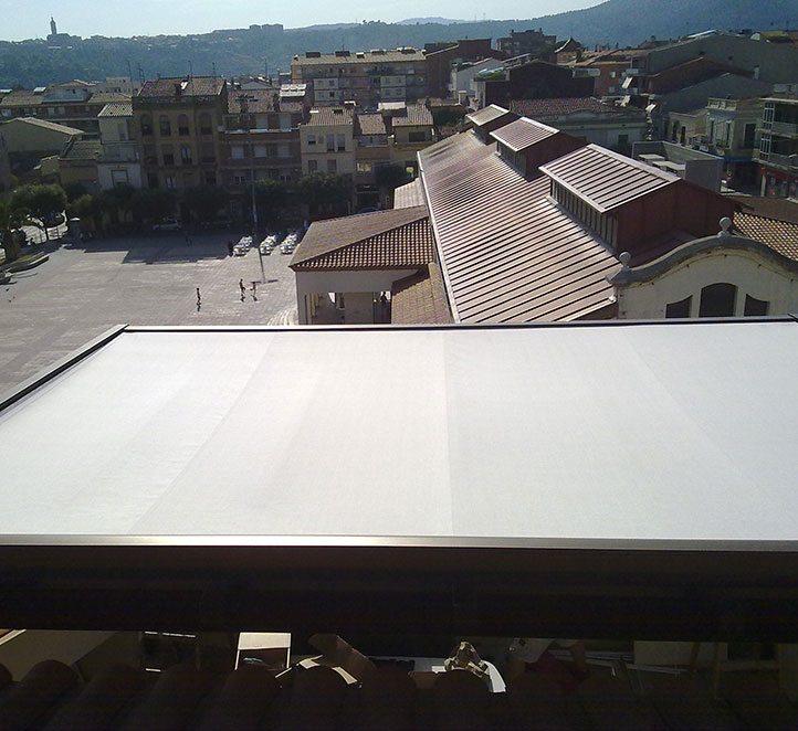toldos veranda una instalación en una casa