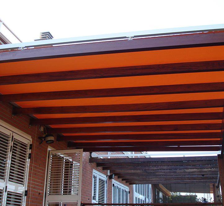 Toldos veranda nuestro modelo instalado en una casa