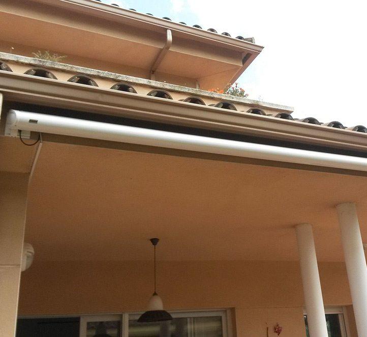toldo cofre 990 markilux instalación en una fachada
