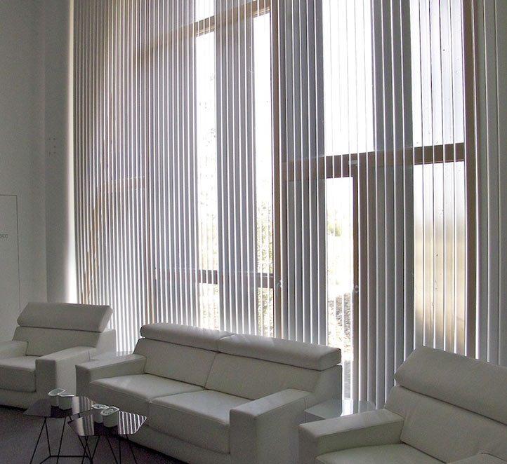 cortina vertical venta de toldos en Barcelona
