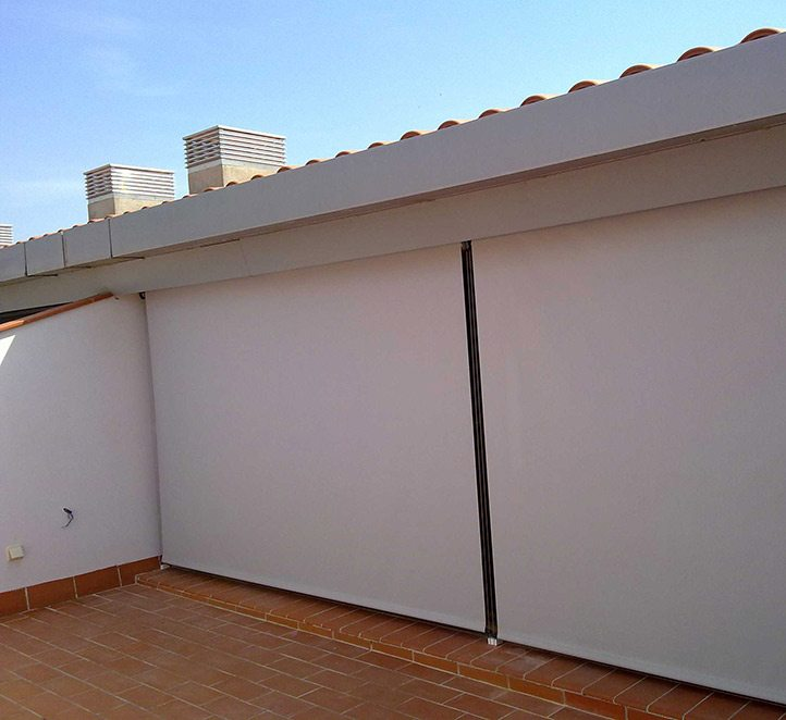 toldos verticales con cable nuestros toldos en Barcelona
