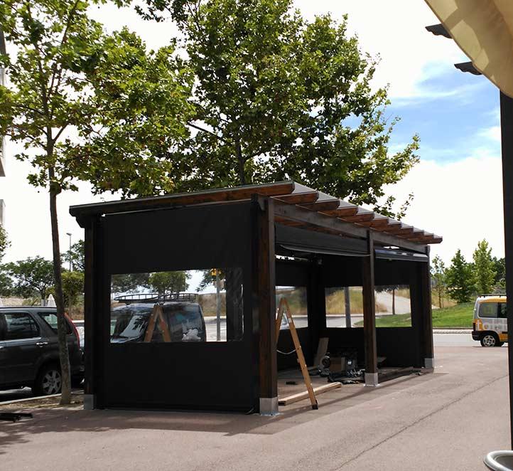 toldos verticales con cortaviento instalación excelente en Barcelona