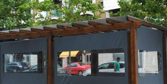 toldos verticales con cortaviento venta de toldos en Barcelona