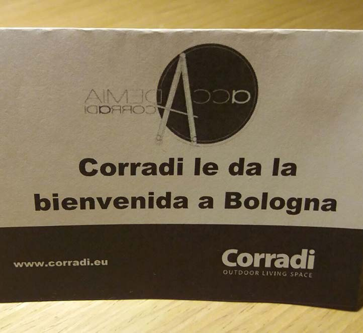 formación en Bolonia toldos en Barcelona