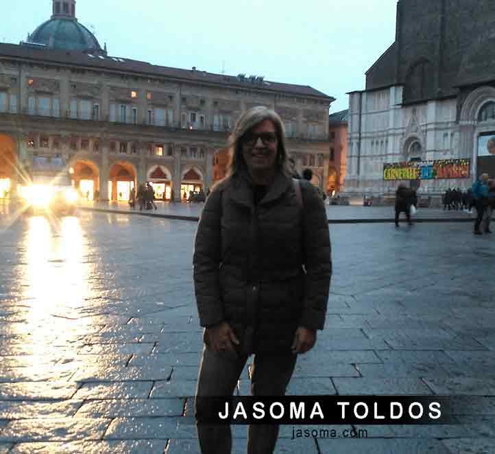jasoma toldos visitando Bolonia. Toldos de calidad