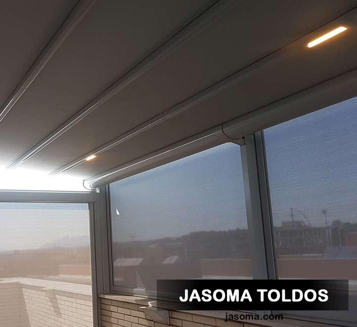 pergola palladia iluminada con toldos verticales