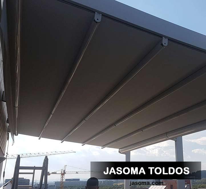 pergola palladia motorizada con toldos verticales